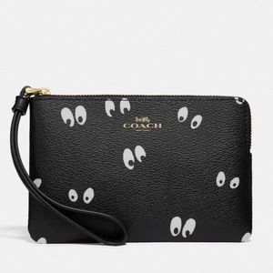 Coach X Disney Snow White Dwarf Eyes Wristlet
